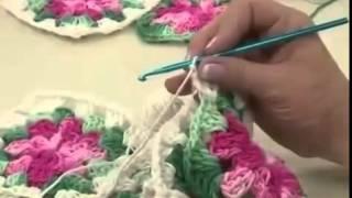 Repeat youtube video Tapete em crochê Vitoria Quintal Programa Arte Brasil