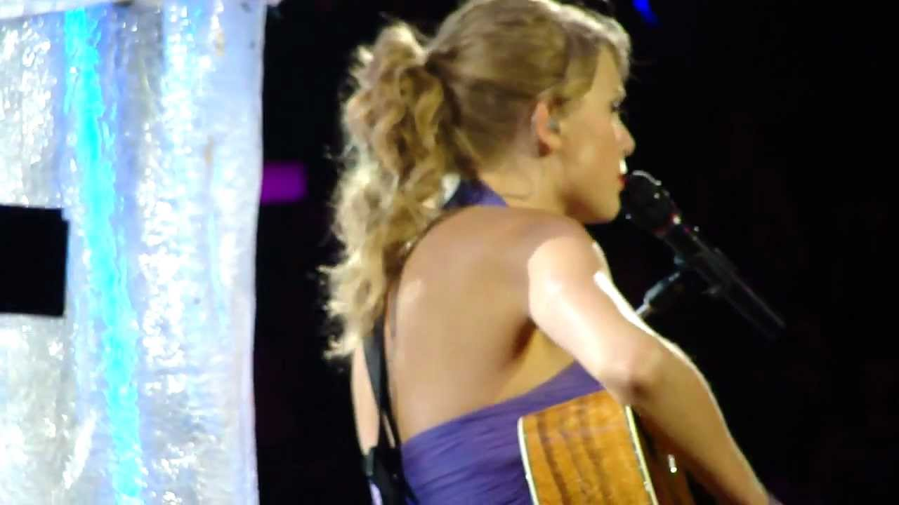 Taylor Swift Live Staples Center The Sweet Escape Cover You Belong With Me 8 24 11