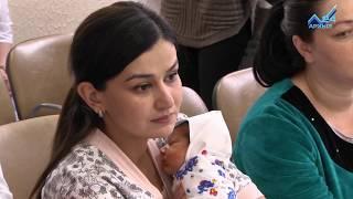 видео Выплаты при рождении второго ребенка в 2018 году: виды и размеры положенных пособий, материнский капитал