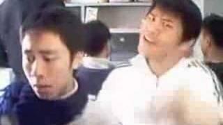 潘偉伯&弦子 - 不得不愛(瘋狂惡搞版)