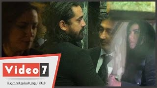 أمير كرارة ورانيا يوسف وريهام عبد الغفور بعزاء والد المخرج محمد بكير
