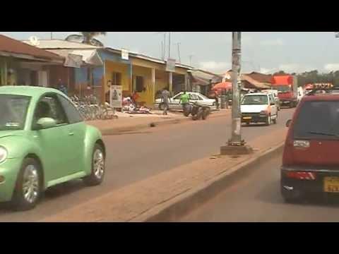 Community Center Bouwen in Buoyem Techiman B/A in Ghana