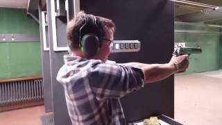 Shooting a Desert Eagle Fail