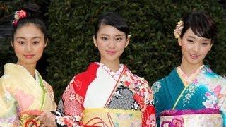 武井咲さん(18)、剛力彩芽さん(20)ら「全日本国民的美少女コンテス...