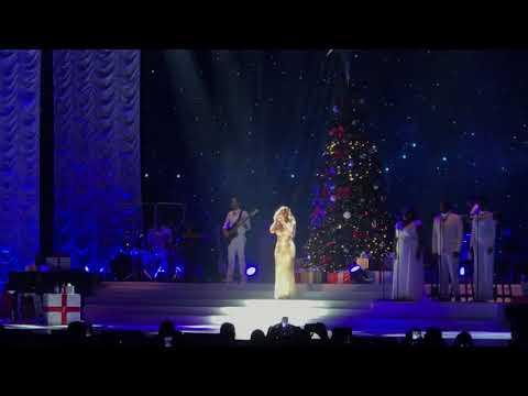 Mariah Carey - Hark! The Herald Angels Sing @ Paris Accorhotels Arena 09/12/2017