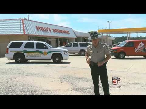 Hilarious local sheriff straight talk to shoplifter Stelly's Supermarket