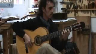 02_Paco Serrano tocando guitarra de José Rodríguez