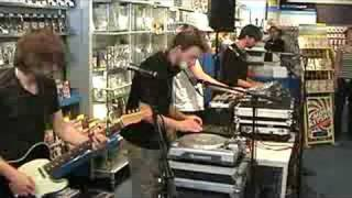 C-Mon & Kypski - Wildfire - Live at FRS instore(, 2008-07-16T12:58:42.000Z)