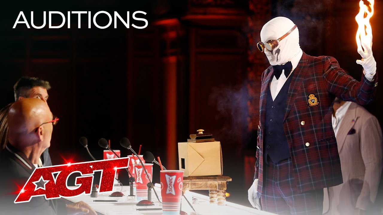Klek Entos SCARES The Judges With Chilling Magic - America's Got Talent 2021