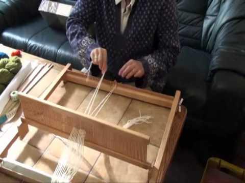 Häufig Weben: Aufziehen der Kette 2 - Warenbaum - YouTube XZ92