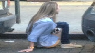 Repeat youtube video Girl Poops on Streets of NYC [NSFW] - Roy Hibbert Tweets