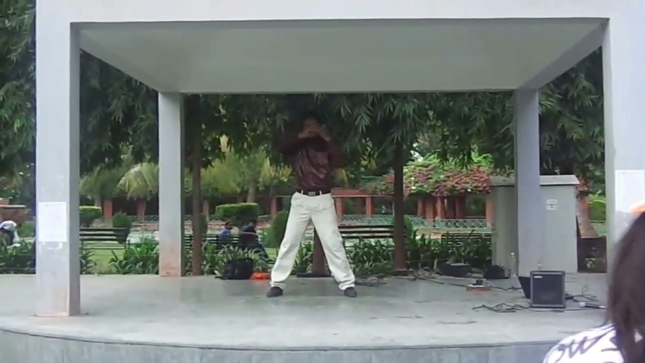 Robotic Dance On Romantic Song By National Level Robotics Champion