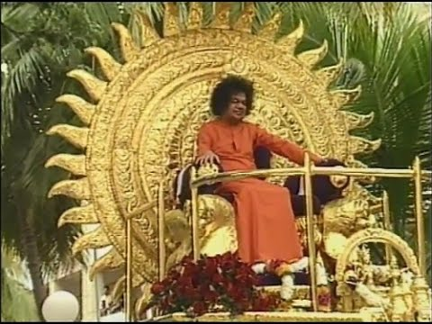 Everything For Love- Darshan Video Of Bhagawan Sri Sathya Sai Baba