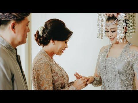 Adith and Lydia's Traditional Wedding day at Mandarin Oriental Jakarta by Weddingku Concierge