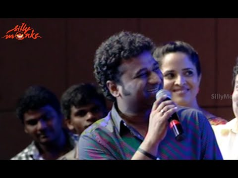 Devi Sri Prasad Imitating Mahesh Babu @ Srimanthudu Success Meet - Shruti Haasan