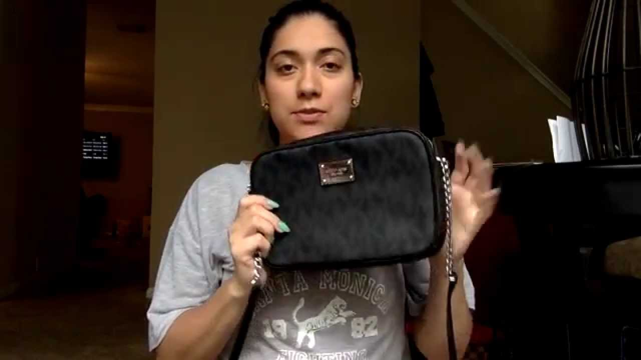 8cd495e6995b Michael Kors Reveal  MK Jet Set Travel Large Crossbody - YouTube