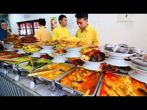 Muslim Street Food in Jakarta - SPICY Indonesian Street Food | BEST BBQ + Street Food in Indonesia!
