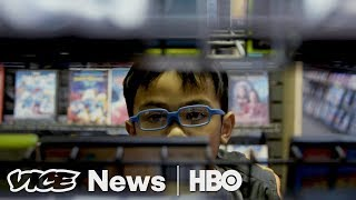 Video Blockbuster Video Has Become An Alaskan Tourist Attraction (HBO) download MP3, 3GP, MP4, WEBM, AVI, FLV Desember 2017