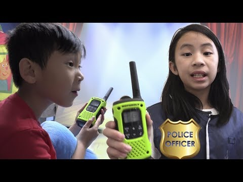 Pretend Play Police Solve The Problem On Lucky Seat Surprise Toy