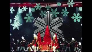 Mariah Carey- All I Want For Christmas DIVAS LIVE 2016