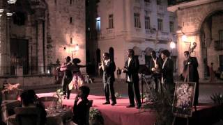Salsa in Old Havana - Plaza de la Catedral