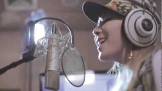 2ne1  Make Thumb Noise Project Round... @ www.OfficialVideos.Net