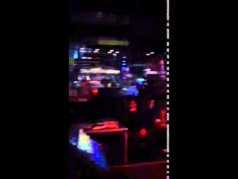 Mario bulldog karaoke Saskia Goyone