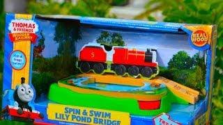 Spin & Swim Lily Pond Bridge Thomas & Friends Wooden Toy Train Railway By Fisher Price Mattel