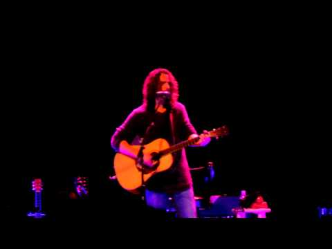 Chris Cornell - Like a Stone + Doesn't Remind Me (Toronto, Queen Elizabeth Theatre, April 20 2011)