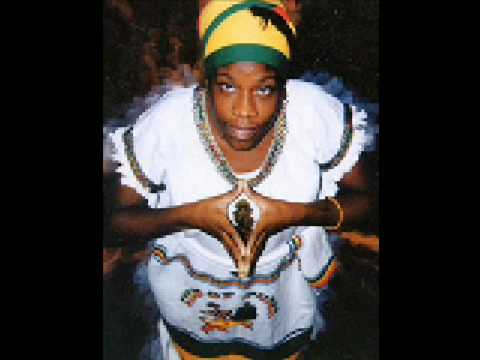 Queen Omega - Big Up Papa