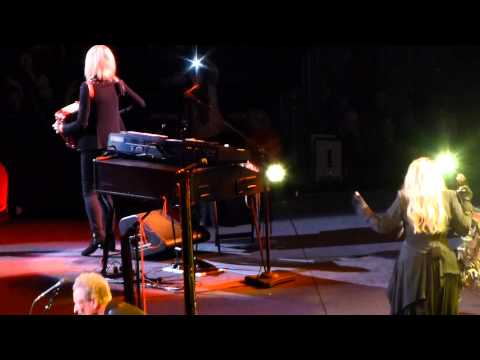 """Tusk"" Fleetwood Mac@Wells Fargo Center Philadelphia 10/29/14"