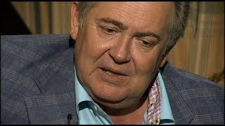 Юрий Стоянов поет песню о папе