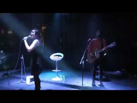 Sarah Saputri - Bento (live) mp4