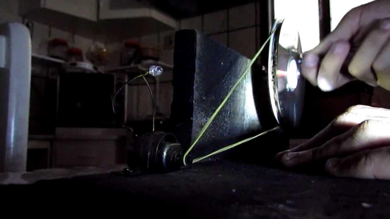 0e3f44bdce6 Transformando energia cinética em energia elétrica.  Vídeo Não Editado