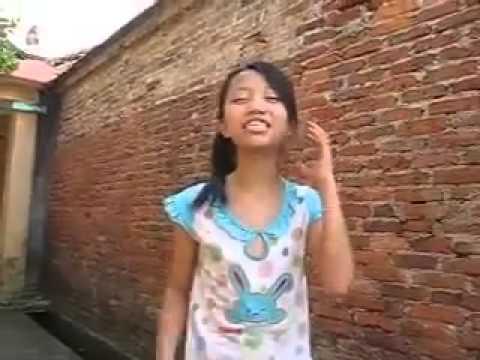 Download or Watch   NhacCuaTui com   Đang hát thì bị chó đuổi =   Video