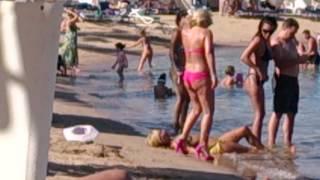 Розовые шпильки в египетских песках