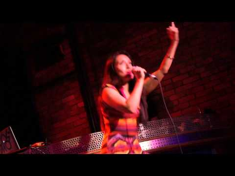 Sharmycakes & Some Random Girl: MC Lyte - Cold Rock a Party (HHK MTL: July 23, 2011)
