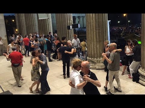 Open Air TanzschuleTango & Tango Crossover Party  @ Königsplatz, München