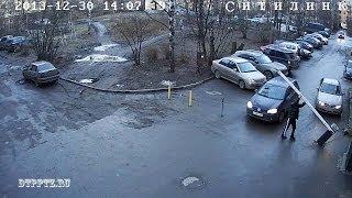 Шлагбаум... был(Видео: Камеры наружного наблюдения Ситилинк, А.Медведев Подробнее: http://dtpptz.ru/dtp/dtpdate/2474-shlagbaum., 2013-12-31T14:36:50.000Z)