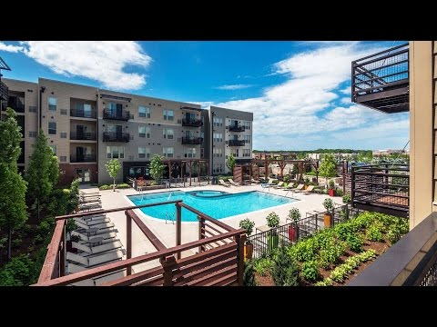 Tour The Resort-style Amenities At Tapestry Glenview Apartments