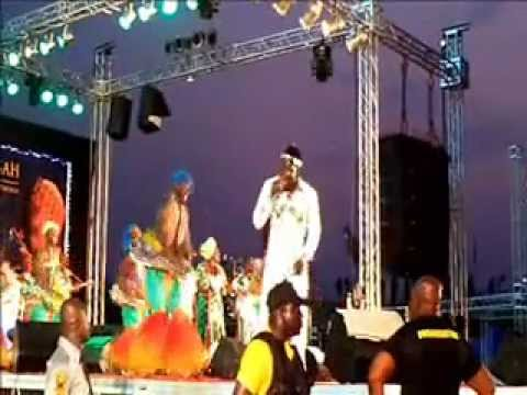 TogoOnWeb.com - King Mensah live kegue 2011