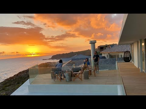 Top Billing tours a cliff side Mossel Bay home in Pinnacle Point Estate | FULL INSERT