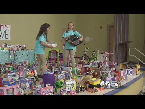 Fairhope Middle School Adds 400 Toys for a Magical Christmas