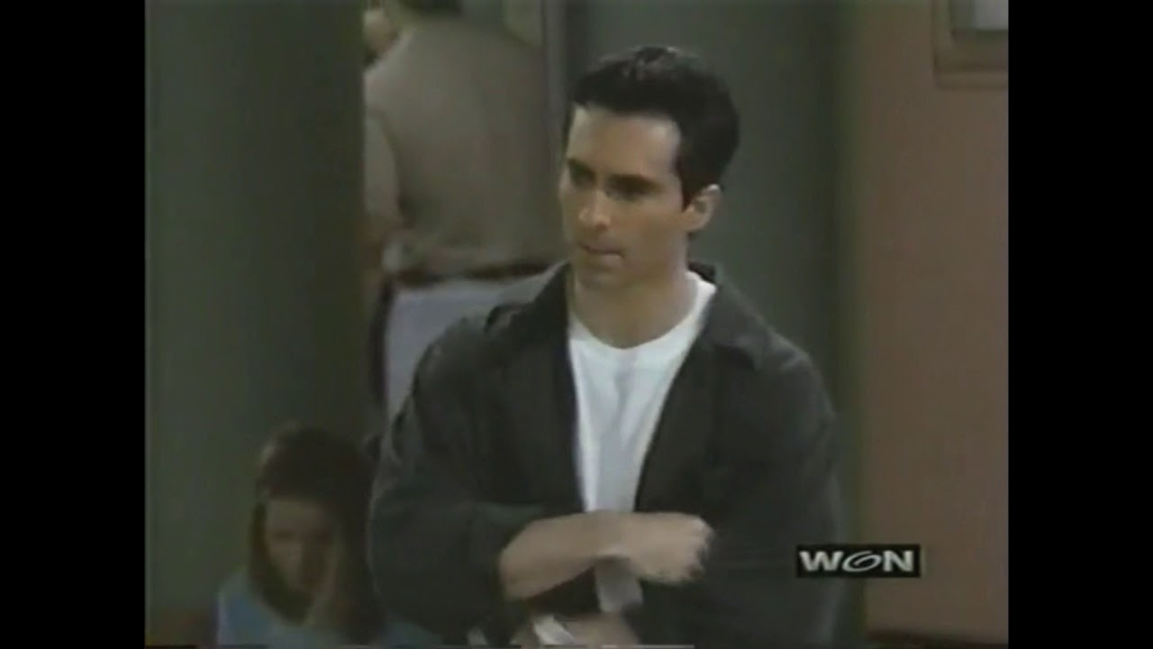 nestor carbonell yeux