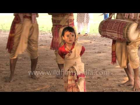 Cute little girl presents Bihu dance of Assam - Anushka Gogoi