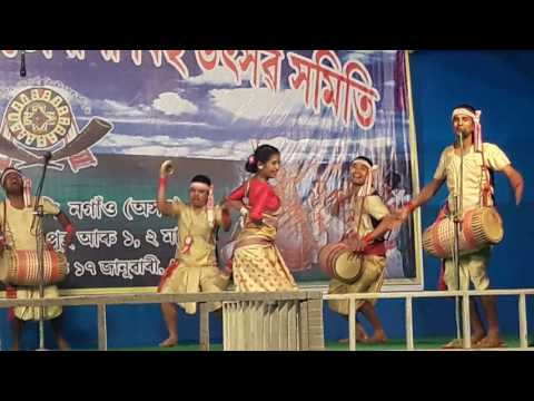 Bihu dance by Nimisha Dehingia at Akhomkuwori 2017