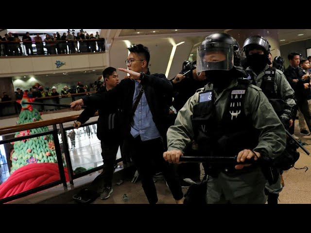 Tyrone Mall Christmas Day 2021 Hong Kong Police Use Tear Gas Batons In Christmas Eve Clashes With Protesters