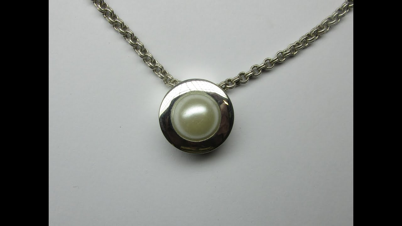 diamond pendant doc w set round bezel