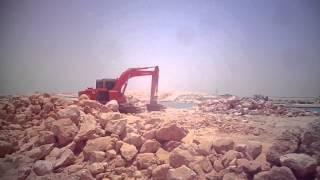 قناة السويس الجديدة : تلال الحجارة لعمل تبطين لقناة السويس لحمايتها من العوامل الجوية