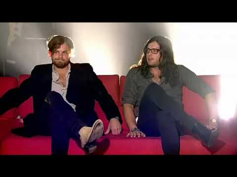 Sex on Fire Kings of Leon live at Channel 4 including interview